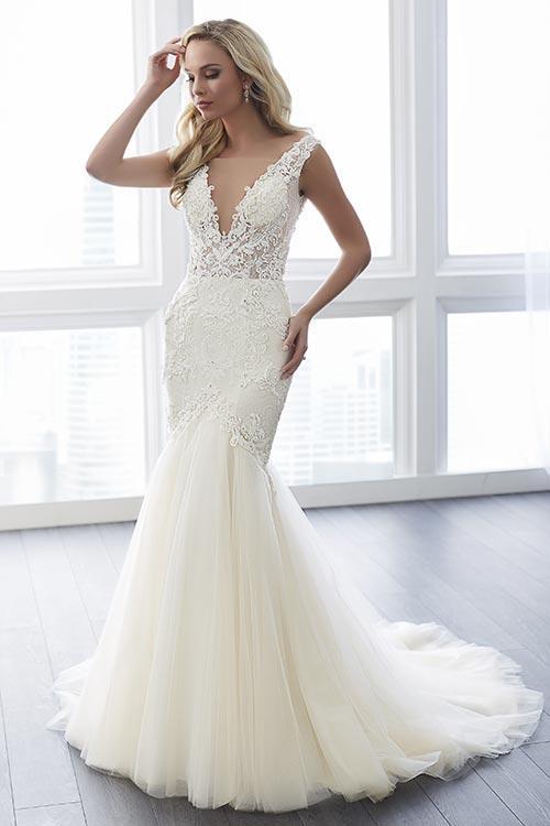 bridal-gowns-jacquelin-bridals-canada-24752